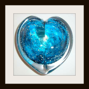 heart sculpture with turquoise